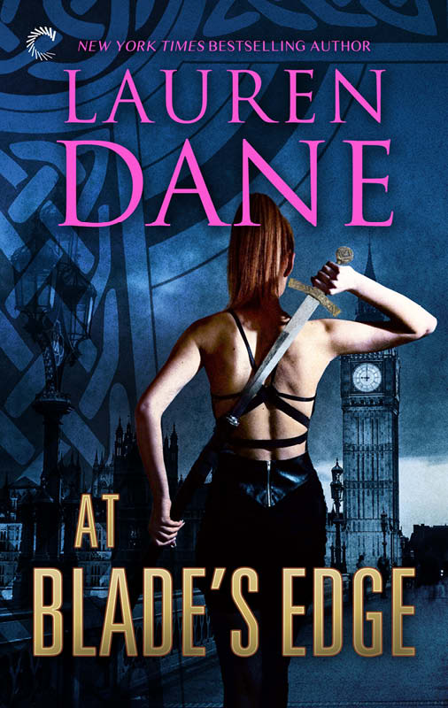 At Blade's Edge (2015) by Lauren Dane